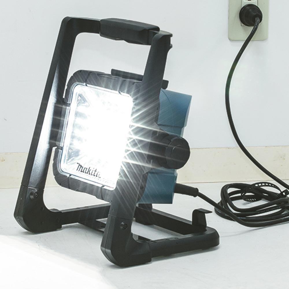 DEADML806 ARBEIDSLAMPE 18V LED