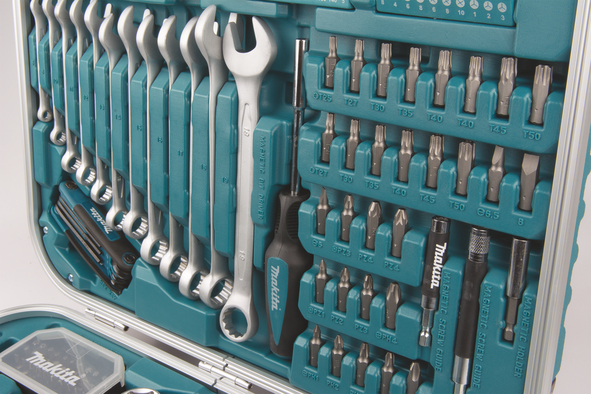 6774989853d P-90532 - Tööriistakomplekt 227 osa